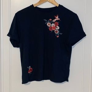 Navy floral embroidery tee
